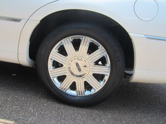 2003 Lincoln Town Car Cartier Batesville, Mississippi 14