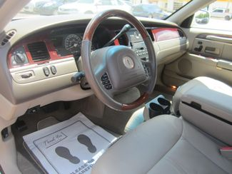 2003 Lincoln Town Car Cartier Batesville, Mississippi 22
