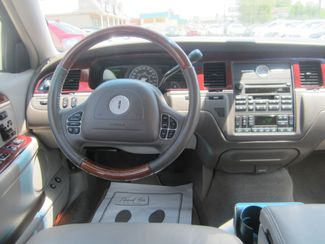2003 Lincoln Town Car Cartier Batesville, Mississippi 23
