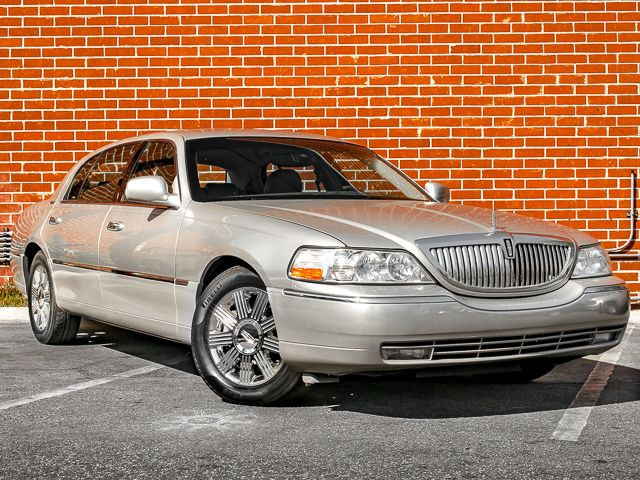 2003 Lincoln Town Car Cartier L Burbank, CA 2