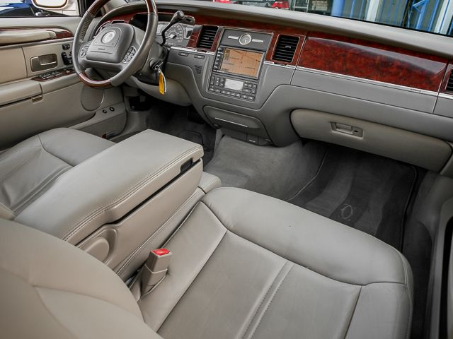 2003 Lincoln Town Car Cartier L Burbank, CA 12