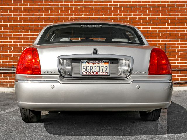 2003 Lincoln Town Car Cartier L Burbank, CA 3