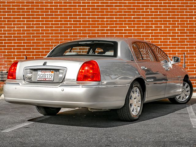 2003 Lincoln Town Car Cartier L Burbank, CA 6