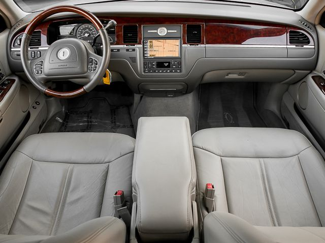 2003 Lincoln Town Car Cartier L Burbank, CA 8