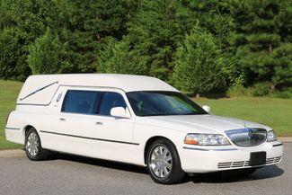 2003 Lincoln TOWN CAR  HEARSE EUREKA CONVERSION Mooresville, North Carolina