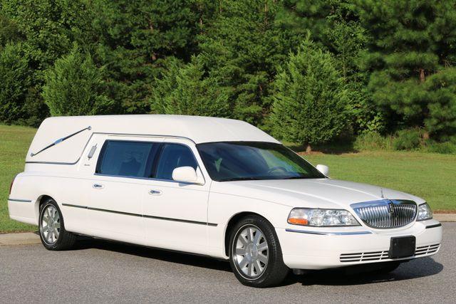 2003 Lincoln TOWN CAR  HEARSE EUREKA CONVERSION Mooresville, North Carolina 0