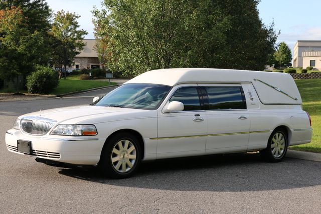 2003 Lincoln TOWN CAR  HEARSE EUREKA CONVERSION Mooresville, North Carolina 2