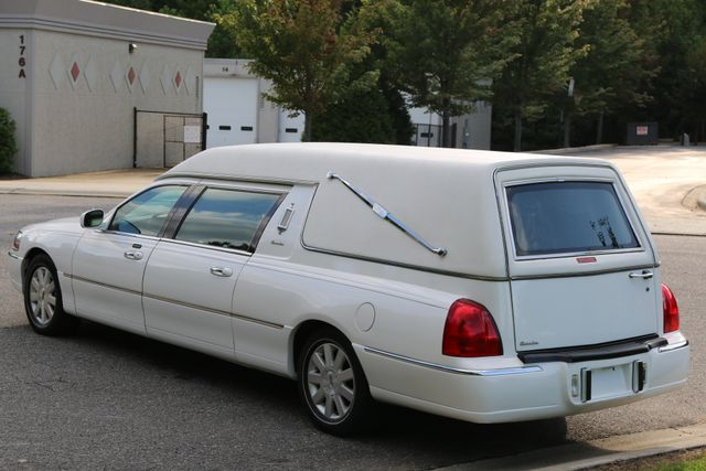 2003 Lincoln TOWN CAR  HEARSE EUREKA CONVERSION Mooresville, North Carolina 3