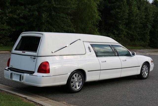 2003 Lincoln TOWN CAR  HEARSE EUREKA CONVERSION Mooresville, North Carolina 5