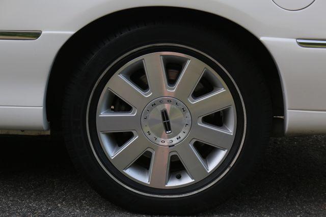 2003 Lincoln TOWN CAR  HEARSE EUREKA CONVERSION Mooresville, North Carolina 54