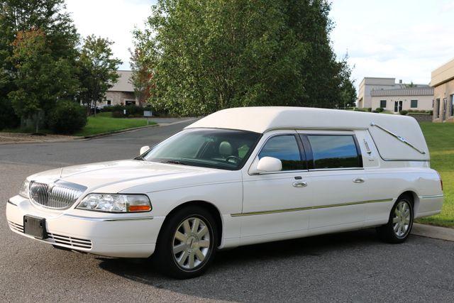 2003 Lincoln TOWN CAR  HEARSE EUREKA CONVERSION Mooresville, North Carolina 57