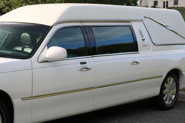 2003 Lincoln TOWN CAR  HEARSE EUREKA CONVERSION Mooresville, North Carolina 58