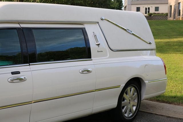 2003 Lincoln TOWN CAR  HEARSE EUREKA CONVERSION Mooresville, North Carolina 59