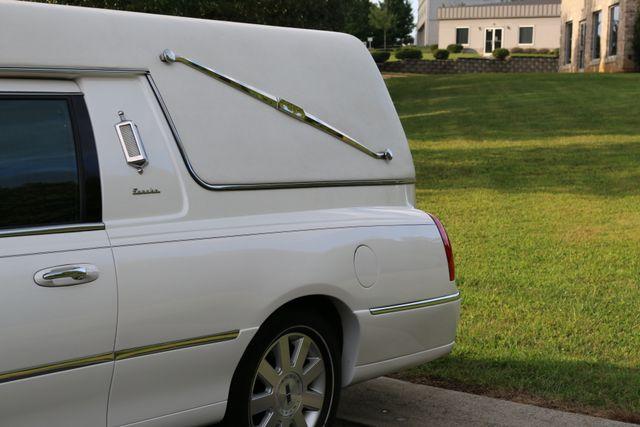 2003 Lincoln TOWN CAR  HEARSE EUREKA CONVERSION Mooresville, North Carolina 60