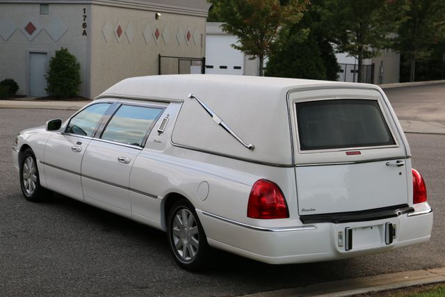 2003 Lincoln TOWN CAR  HEARSE EUREKA CONVERSION Mooresville, North Carolina 61