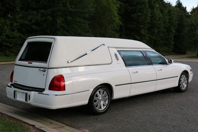 2003 Lincoln TOWN CAR  HEARSE EUREKA CONVERSION Mooresville, North Carolina 63