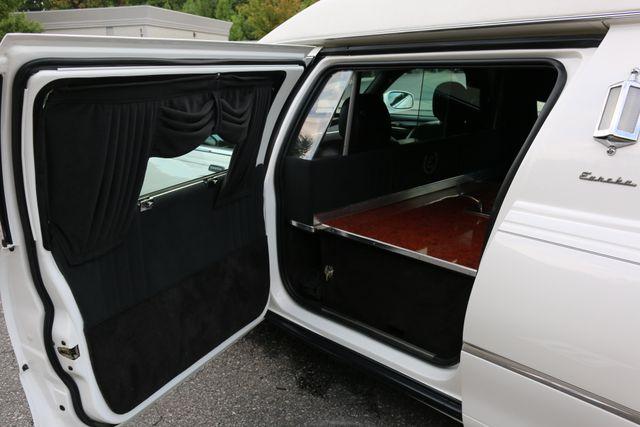 2003 Lincoln TOWN CAR  HEARSE EUREKA CONVERSION Mooresville, North Carolina 20