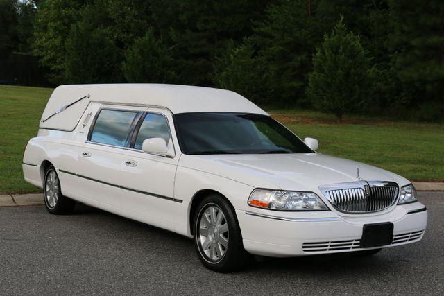 2003 Lincoln TOWN CAR  HEARSE EUREKA CONVERSION Mooresville, North Carolina 67