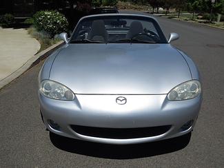 2003 Mazda MX-5 Miata Convertible Bend, Oregon 1
