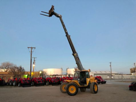 2003 New Holland LM640 TELEHANDLER  in Fort Worth, TX