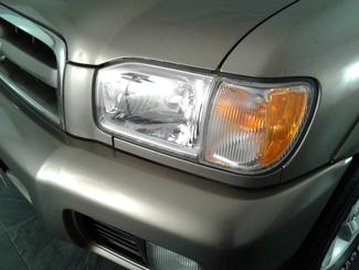 2003 Nissan Pathfinder SE Virginia Beach, Virginia 3