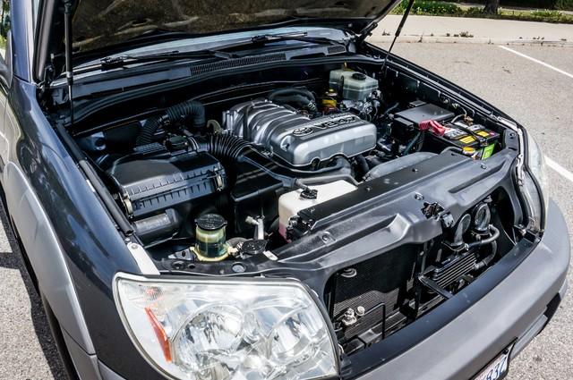2003 Toyota 4Runner SR5 V8 - SUNROOF - NAVI - TOW PKG Reseda, CA 36