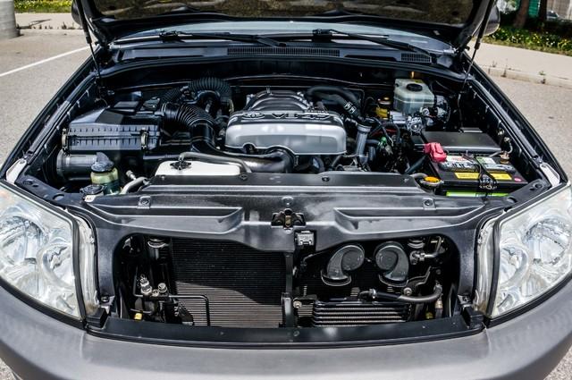 2003 Toyota 4Runner SR5 V8 - SUNROOF - NAVI - TOW PKG Reseda, CA 35