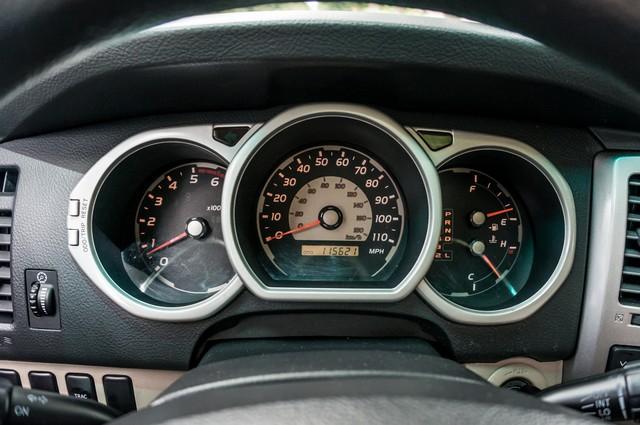 2003 Toyota 4Runner SR5 V8 - SUNROOF - NAVI - TOW PKG Reseda, CA 15