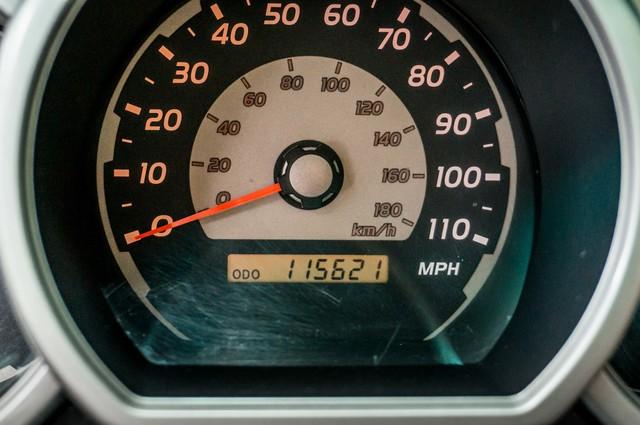 2003 Toyota 4Runner SR5 V8 - SUNROOF - NAVI - TOW PKG Reseda, CA 16