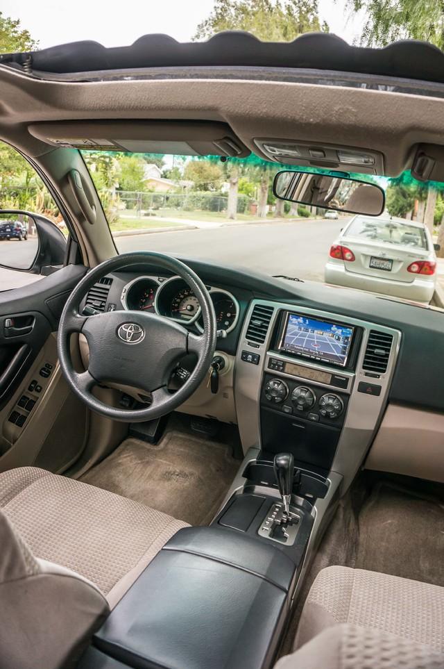 2003 Toyota 4Runner SR5 V8 - SUNROOF - NAVI - TOW PKG Reseda, CA 33