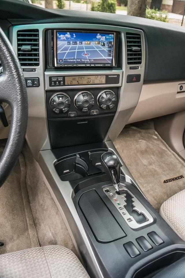 2003 Toyota 4Runner SR5 V8 - SUNROOF - NAVI - TOW PKG Reseda, CA 21