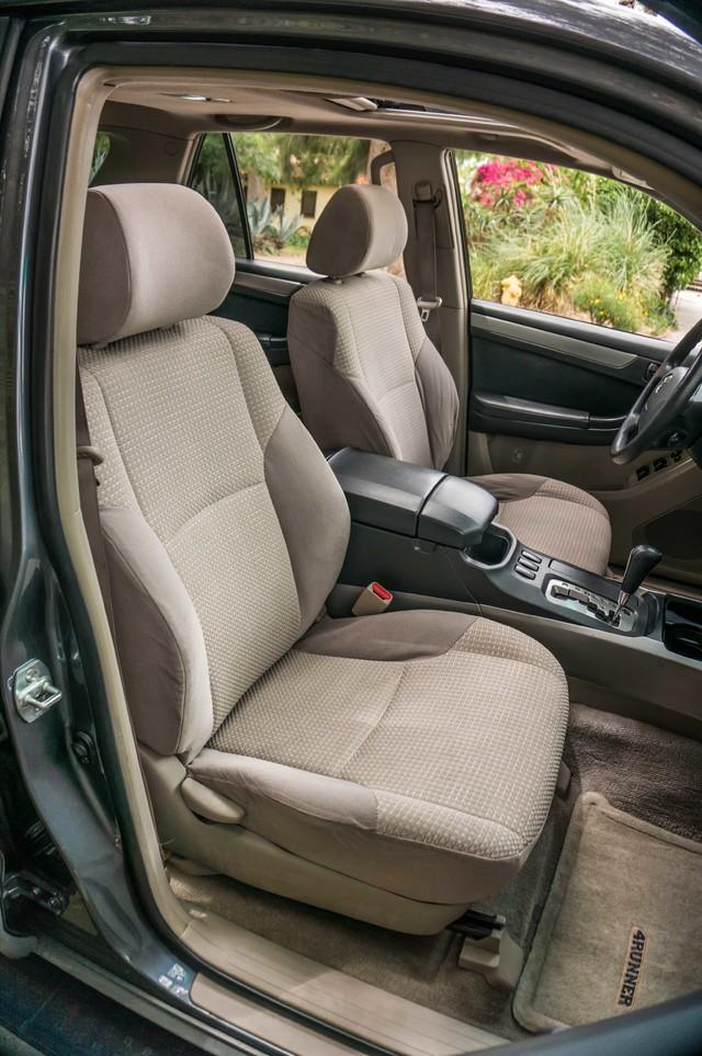 2003 Toyota 4Runner SR5 V8 - SUNROOF - NAVI - TOW PKG Reseda, CA 28