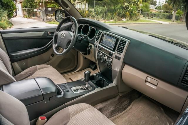 2003 Toyota 4Runner SR5 V8 - SUNROOF - NAVI - TOW PKG Reseda, CA 30
