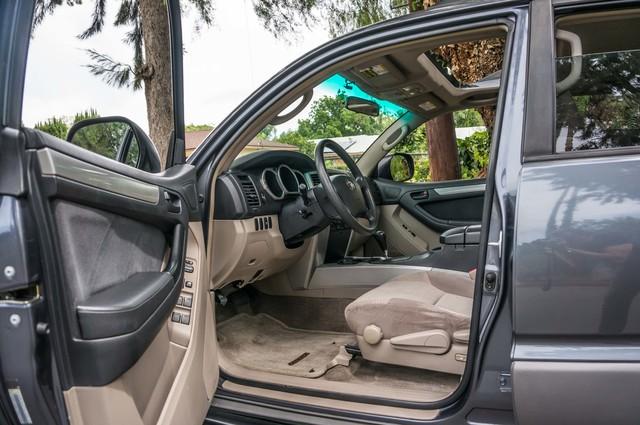 2003 Toyota 4Runner SR5 V8 - SUNROOF - NAVI - TOW PKG Reseda, CA 13