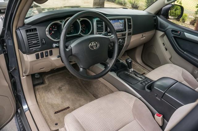 2003 Toyota 4Runner SR5 V8 - SUNROOF - NAVI - TOW PKG Reseda, CA 14