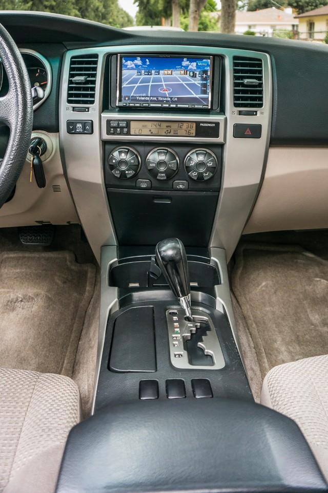 2003 Toyota 4Runner SR5 V8 - SUNROOF - NAVI - TOW PKG Reseda, CA 20