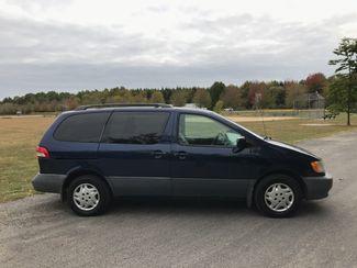 2003 Toyota Sienna CE Ravenna, Ohio 4