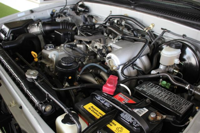 2003 Toyota Tacoma SR5 XtraCab RWD - REAR SLIDER - ALLOYS! Mooresville , NC 31