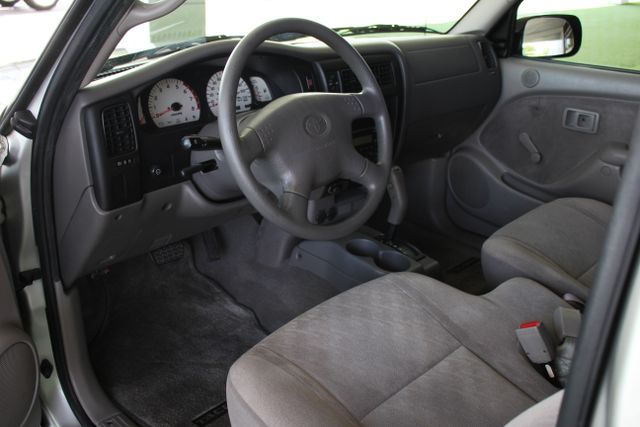 2003 Toyota Tacoma SR5 XtraCab RWD - REAR SLIDER - ALLOYS! Mooresville , NC 4