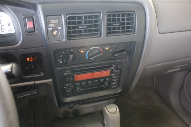 2003 Toyota Tacoma SR5 XtraCab RWD - REAR SLIDER - ALLOYS! Mooresville , NC 27