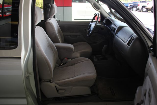2003 Toyota Tacoma SR5 XtraCab RWD - REAR SLIDER - ALLOYS! Mooresville , NC 10