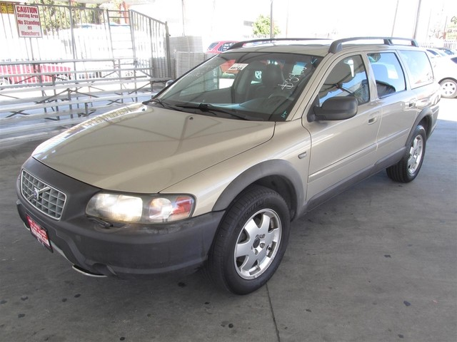 2003 Volvo V70 25L Turbo XC70 Please call or e-mail to check availability All of our vehicles