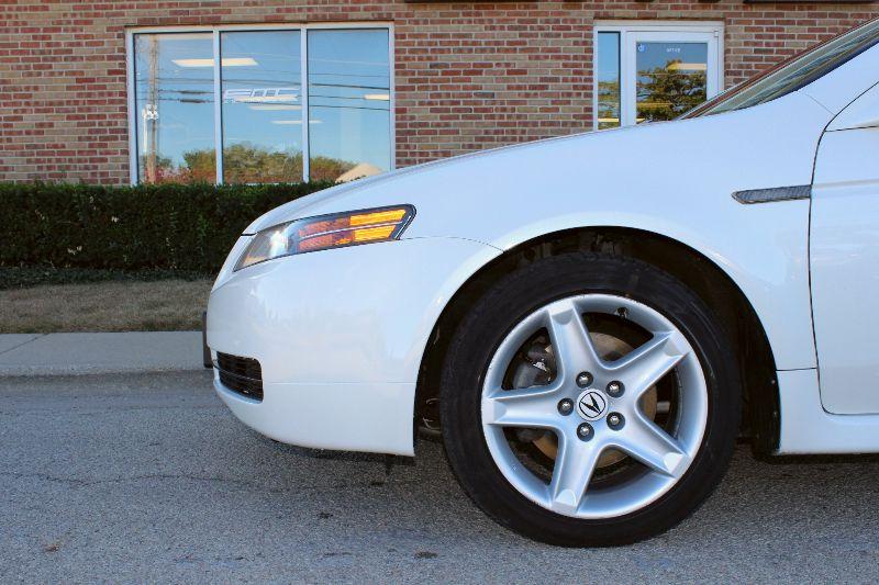 2004 Acura TL   Lake Bluff IL  Executive Motor Carz  in Lake Bluff, IL