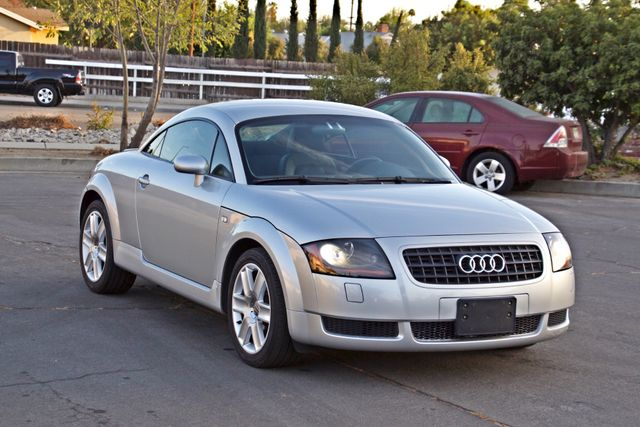 2004 Audi TT 1.8T COUPE AUTOMATIC ONLY 78K ORIGINAL MLS SERVICE RECORDS 1-OWNER Woodland Hills, CA 8