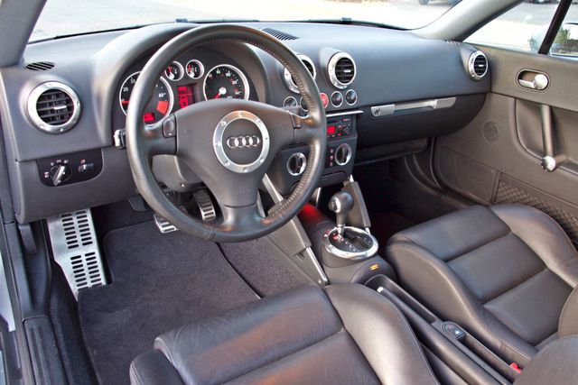 2004 Audi TT 1.8T COUPE AUTOMATIC ONLY 78K ORIGINAL MLS SERVICE RECORDS 1-OWNER Woodland Hills, CA 13