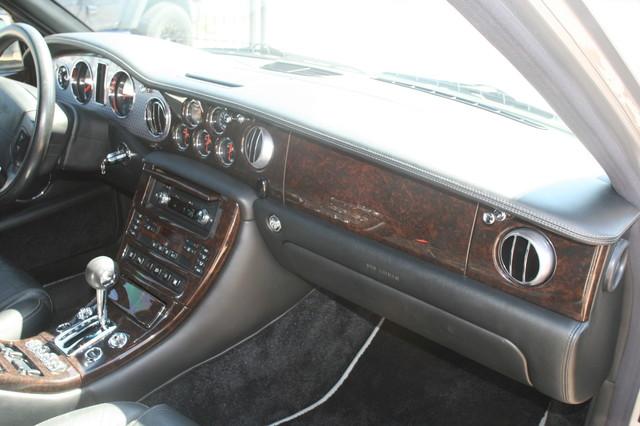 2004 Bentley Arnage T Houston, Texas 27