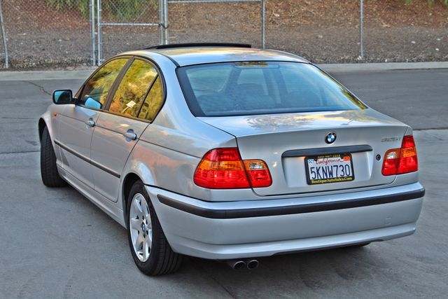2004 BMW 325i PREMIUM PKG 77K MLS SUNROOF LEATHER SERVICE RECORDS NEW TIRES! Woodland Hills, CA 2