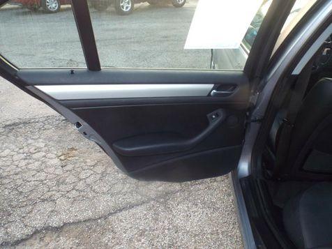 2004 BMW 325xi XI | Medina, OH | Towne Auto Sales in Medina, OH