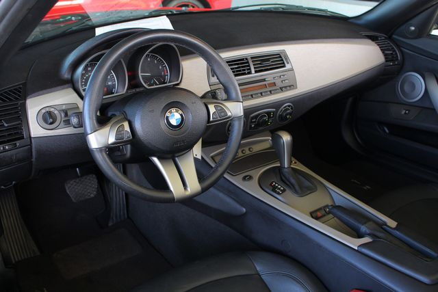 2004 BMW Z4 3.0i PREMIUM, SPORT & CONVENIENCE PKGS! Mooresville , NC 31