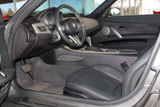 2004 BMW Z4 3.0i PREMIUM, SPORT & CONVENIENCE PKGS! Mooresville , NC 29